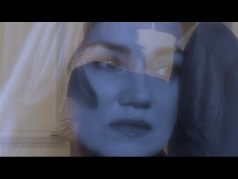 "Alice Nevers - ""Hopelessly devoted to You..."" - Olivia Newton-John - Clip SAISON 13"