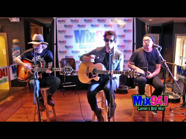 young-rising-sons-mix-94-1-acoustic-set-pat-deluca
