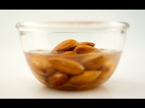 Are Nuts and Seeds Essential On The 80/10/10 Diet?