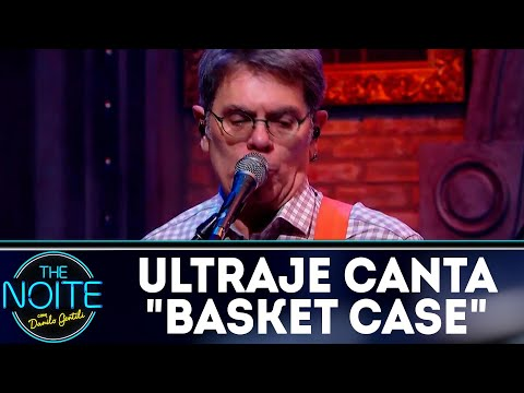 Ultraje a Rigor canta Basket Case | The Noite (05/07/18)