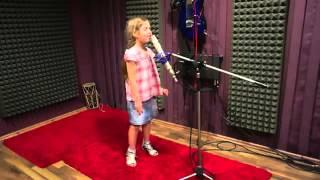 5 éves kislány gyönyörű hanggal!