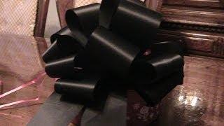 How to make two Magic Ribbon Bows.