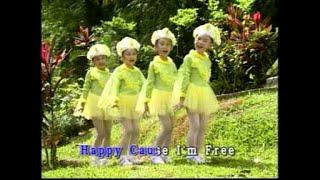 [快乐宝贝] Who'sAfraidOfTheBigBadWolf + FlyBirdieFly + ThreeLittleKitten--彩虹世界 中英童谣 Vol. 2 (Official MV)