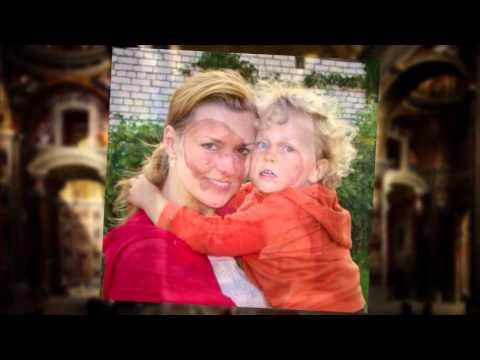Самая прекрасная из женщин - женщина с ребёнком на руках!