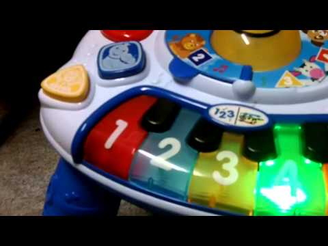 baby-einstein-discovering-music-table-review