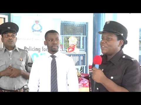 San Fernando Community Police delivers hampers @ Christmas - 10.12.2014 - Trinidad & Tobago