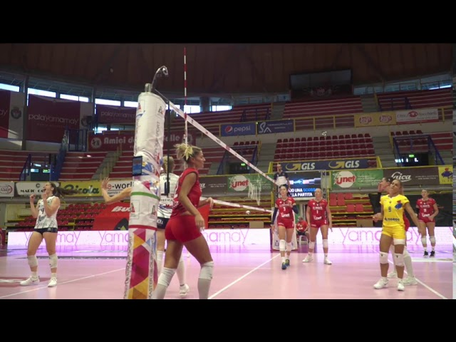 HighLights UYBA Busto Arsizio - Reale Mutua Fenera Chieri - Quarti Supercoppa Italiana
