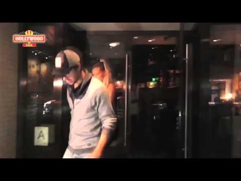 Enrique Iglesias Talks About His 'Cut Hand' | Romantic Date With Anna Kournikova