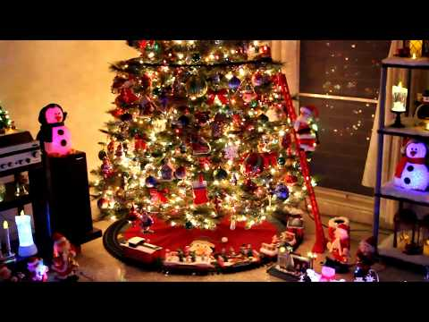 2017 Christmas tree trains | animated musical Santa Clauses | snowmen village
