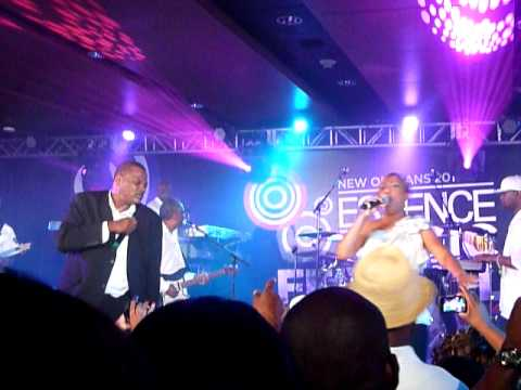 "Alexander O'neal & Cherrelle - ""Saturday Love"" @Essence Music Festival 2011"