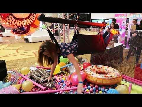 Human Claw Machine, Ball Pit Find, & Toys At Clamour 2018