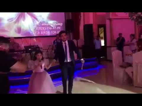 Песня на свадьбу дяди❤️ Амира поёт дяде Тиме ( Тимур и Аделина)