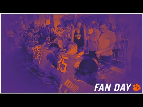 2018-football-fan-day