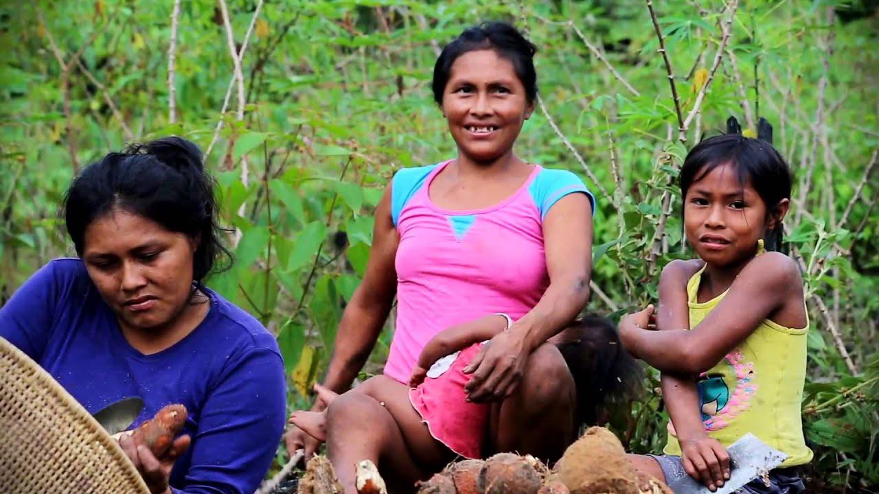 Pabellón Indígena: Mujeres Indígenas Amazónicos De