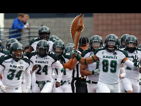 Hawaii Players Go Nuts After Lineman Catches Punt | The Feed