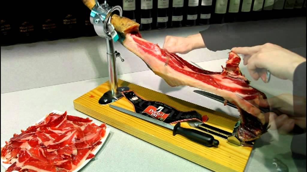 Comment couper un jambon espagnol en tranches 5 6 pata negra bellota ou serrano youtube - Comment couper un jambon iberique ...