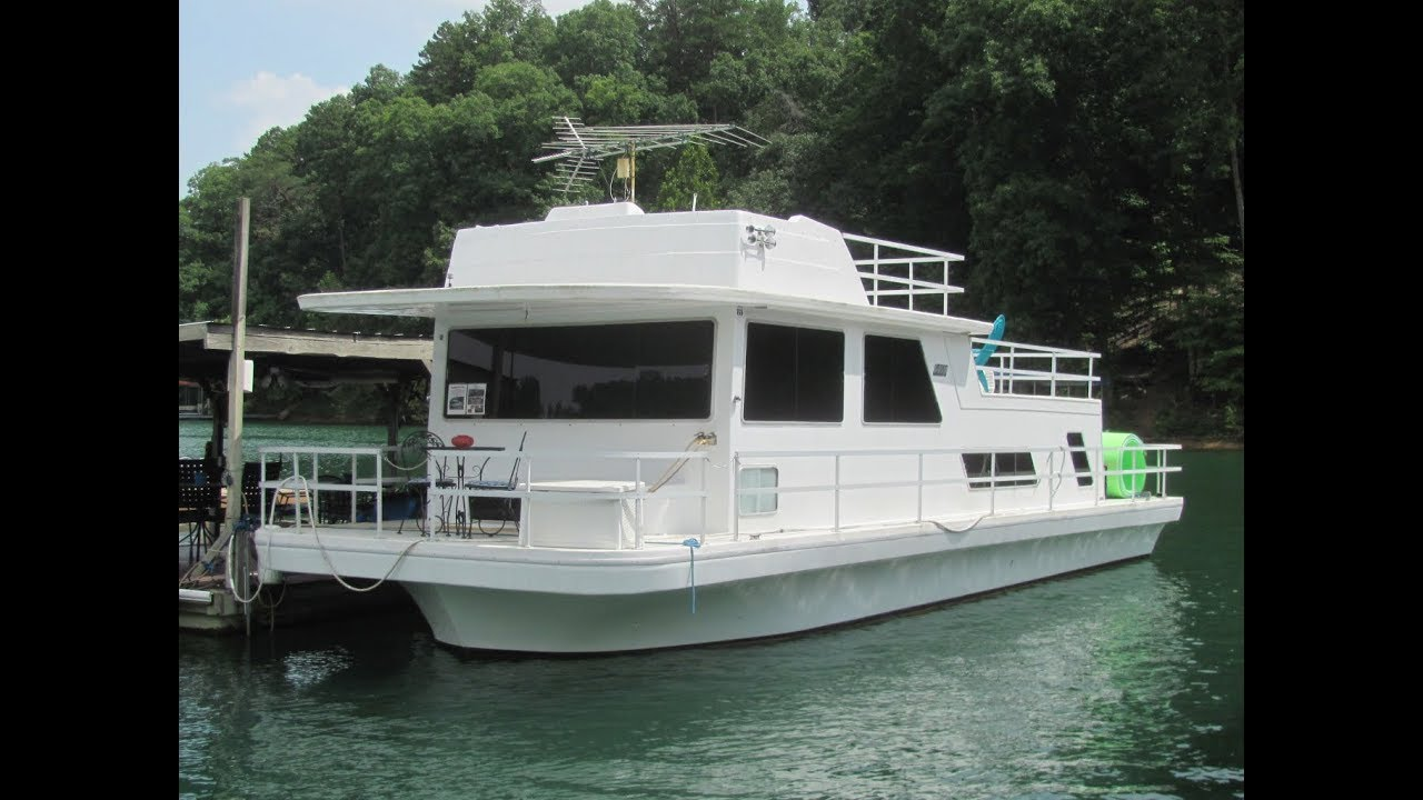 1985 Gibson 14 x 44 Fiberglass Hull Houseboat For Sale on Norris Lake TN by  YourNewBoat