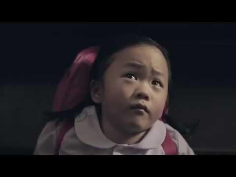 VIdeo Mengharukan Perjuangan Gadis Muda Membesarkan anak Tanpa Ayah