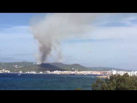 Thumbnail: Aircraft Battle Forest Fire Near Ibiza Tourist Town