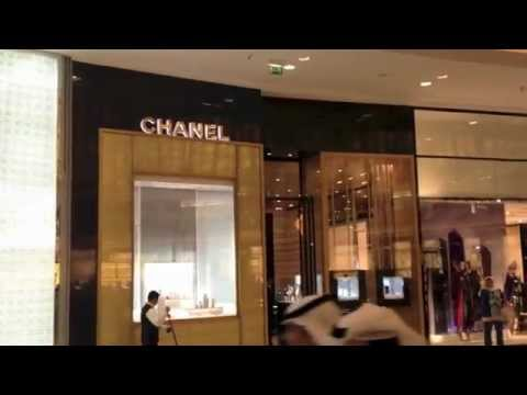 Luxury shopping in Dubai