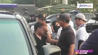 Picu Kericuhan di Duel Klasik Persija vs Persib, Seorang Penonton Diamankan Polisi - JPNN.COM