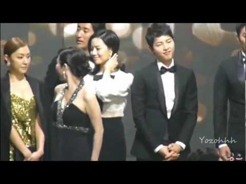 song-joong-ki-moon-chae-won-cute-moment-@-2012-kbs-drama-awards-part.1