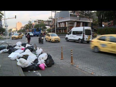 Bogota declares emergency in light of trash crisis