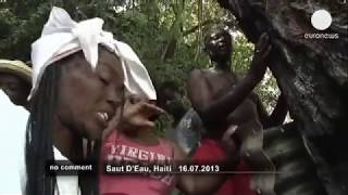 Repeat youtube video Traditional voodoo ceremony in Haiti - no comment