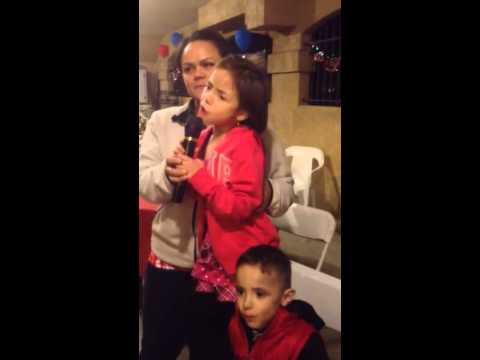 Jillian Kissy karaoke