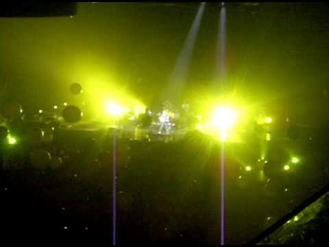 """Coldplay - Live in Calgary,AB Canada 06-17-09 - """"Yellow""""clip"""