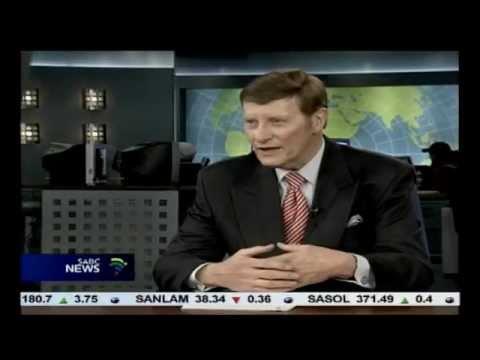 SABC veteran TV news anchor Riaan Cruywagen to retire