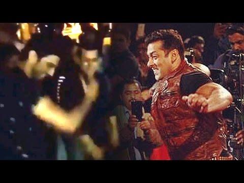 Salman Khan's Crazy DANCE With Sushant Rajput At His Birthday Party   Panvel Farmhouse