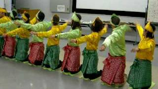 Saman dance by foreign students in Sendai, Japan   (sponsored by SIRA)  - 8  November 2009
