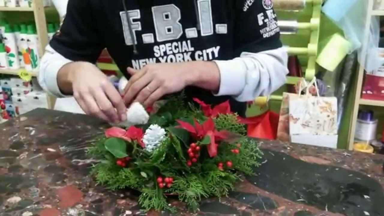 Lezione tutorial 11 de il fiorista come crare un centro tavola natalizio youtube - Centro tavola natalizio con pigne ...
