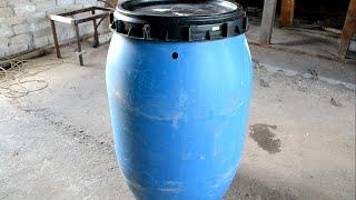 видео Пластиковая бочка для воды на дачу