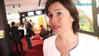 """Tv-moderatorin sandra maischberger hat zusammen mit drei schauspielern im capitol den von ihr produzierten film """"nur eine frau"""" vorgestellt. er thematisiert ..."""