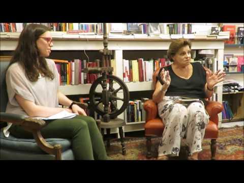 Susana Cabrera presenta a Carolina Cynovich