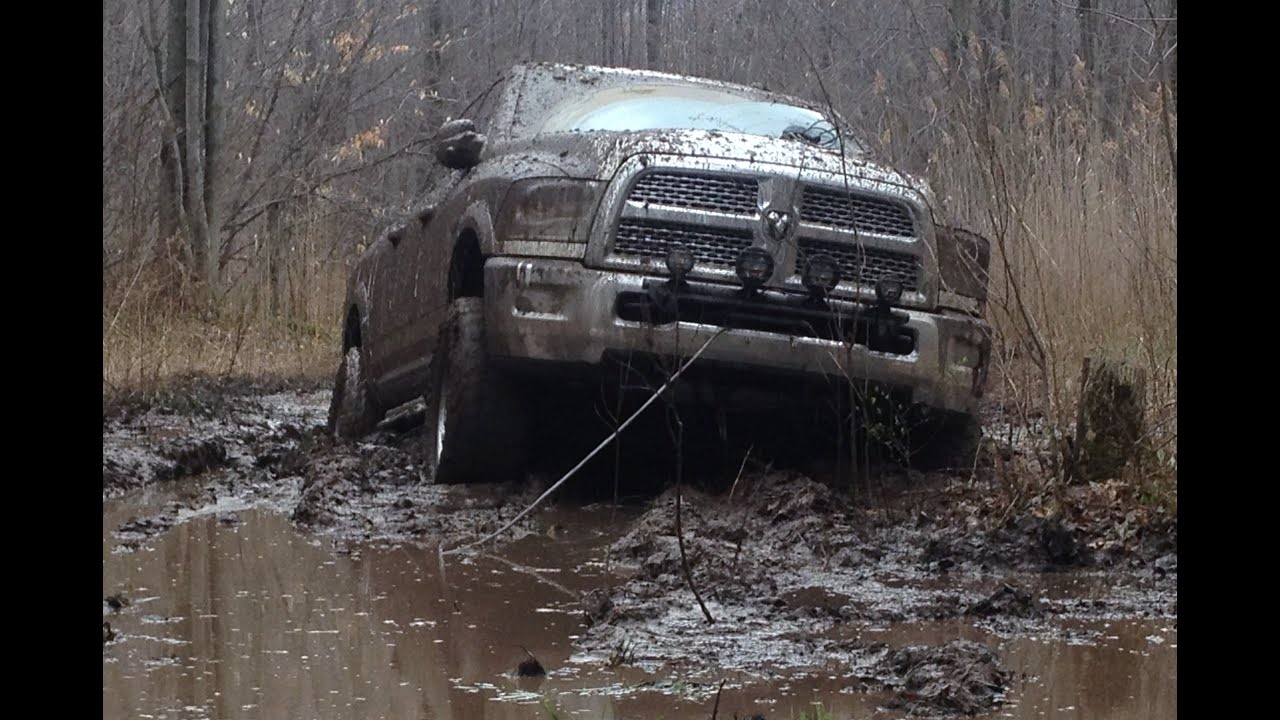 Mud Bogging 2013 Dodge Ram 2500 Power Wagon Michigan ...