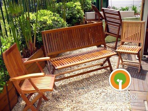 Sillas de madera para jardin y exterior del for Muebles para jardin de madera