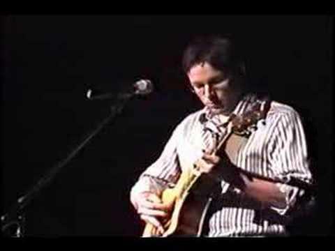 """Travis Tidwell performing """"Landslide"""""""