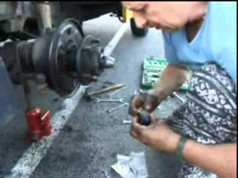 video de cambio de zapatas y bombines de freno del ligero