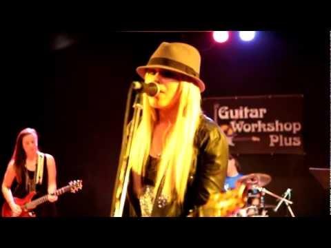 Orianthi at Guitar Workshop Plus 2011
