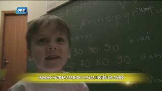 Menino autista aprende a falar inglês e surpreende família, em Timbó
