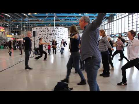 2017 Performer les corps de la collection du centre Pompidou