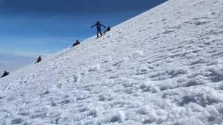 Bajando el glaciar de Jamapa Vicky y el primo Alex.
