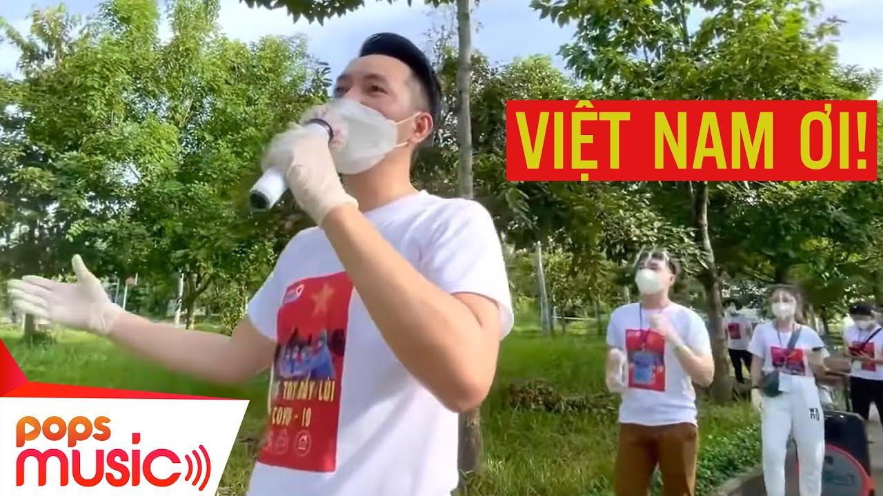 Việt Nam Ơi | Nguyễn Phi Hùng hát cổ động tại bệnh viện dã chiến