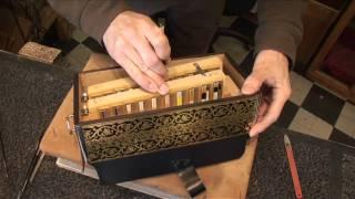 Documentaire Atelier La boite d'accordéon, Laurent JARRY facteur-restaurateur d'accordéon
