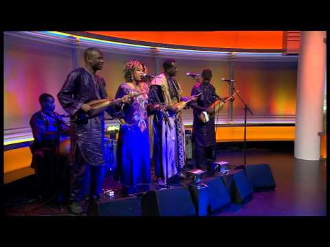 Malian musician Bassekou Kouyate introduced by Sophie Raworth on Andrew Marr Show