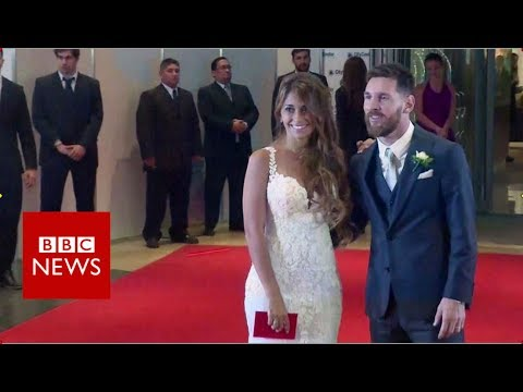 The most expensive red carpet of the year?- BBC News