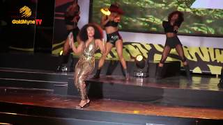 BECCA SHOWS OFF HER BIG BACK SIDE AT AFRIMA 2017 | MUST WATCH